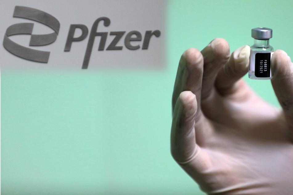 Major milestone: FDA grants full approval to Pfizer's Covid vaccine