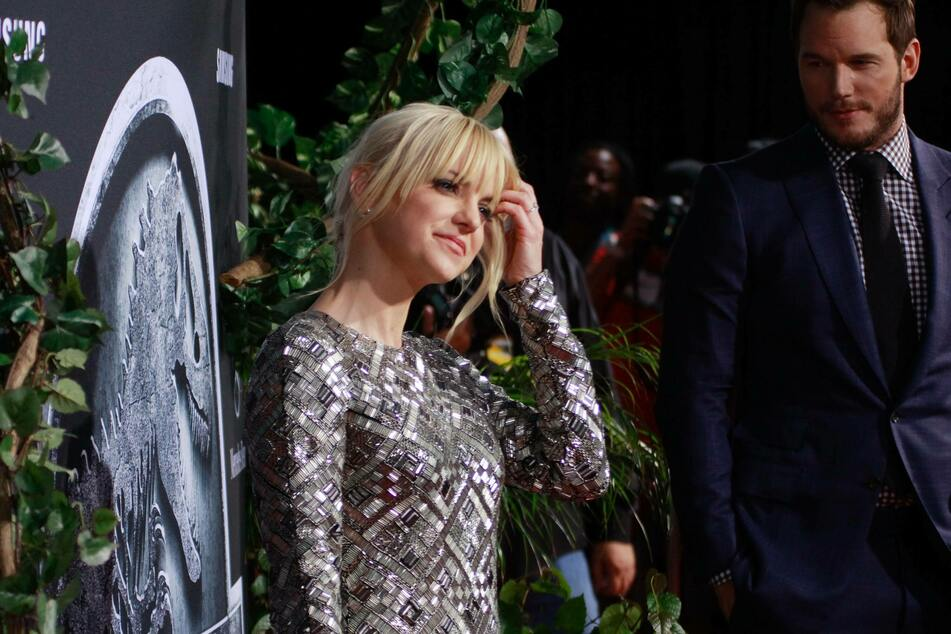Anna Faris (43) is leaving the sitcom Mom.
