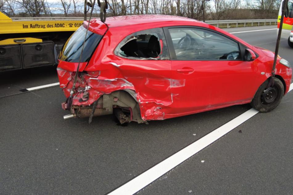 Auf der A14 bei Leipzig ist am Donnerstagnachmittag eine Frau mit ihrem Auto verunglückt.