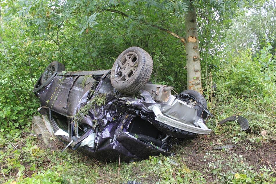 Bei einem Autounfall im Landkreis Leipzig wurde ein Mann verletzt.