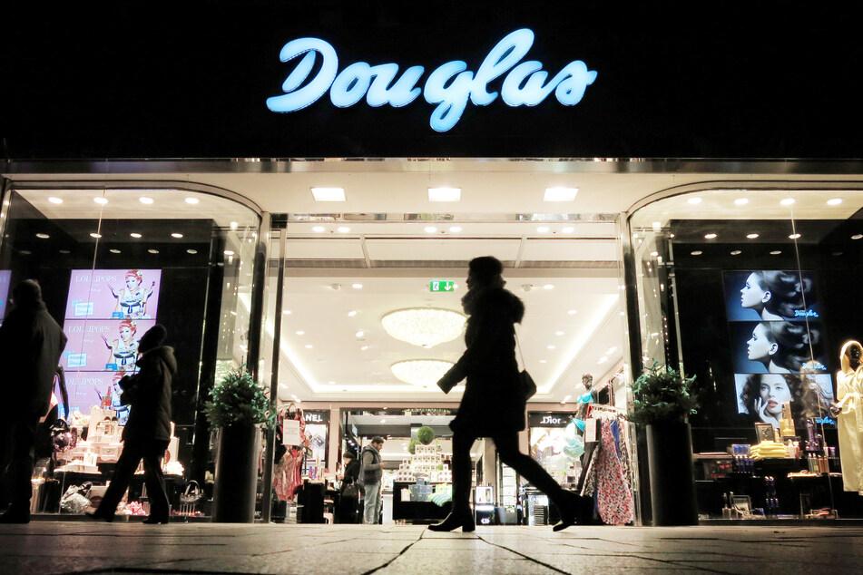 Trotz Lockdowns: Darum bleiben einige Douglas-Filialen offen