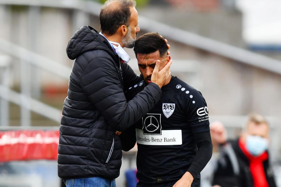 Nicolas Gonzalez (22) muss von seinem Trainer Pellegrino Matarazzo (42) bei einer Auswechslung schon mal getröstet werden.