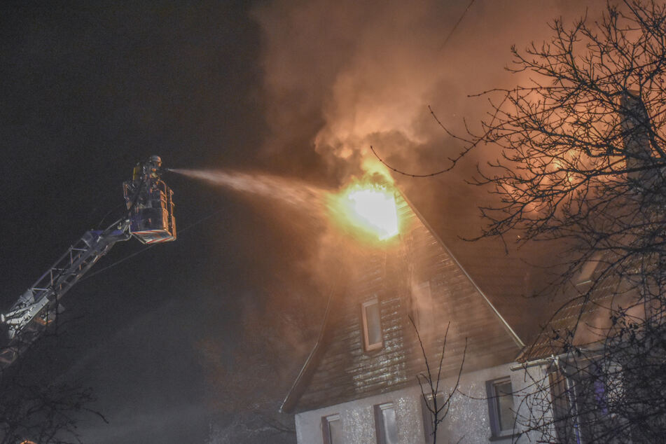 Feuerdrama! Bauernhof brennt ab: 350.000 Euro Schaden