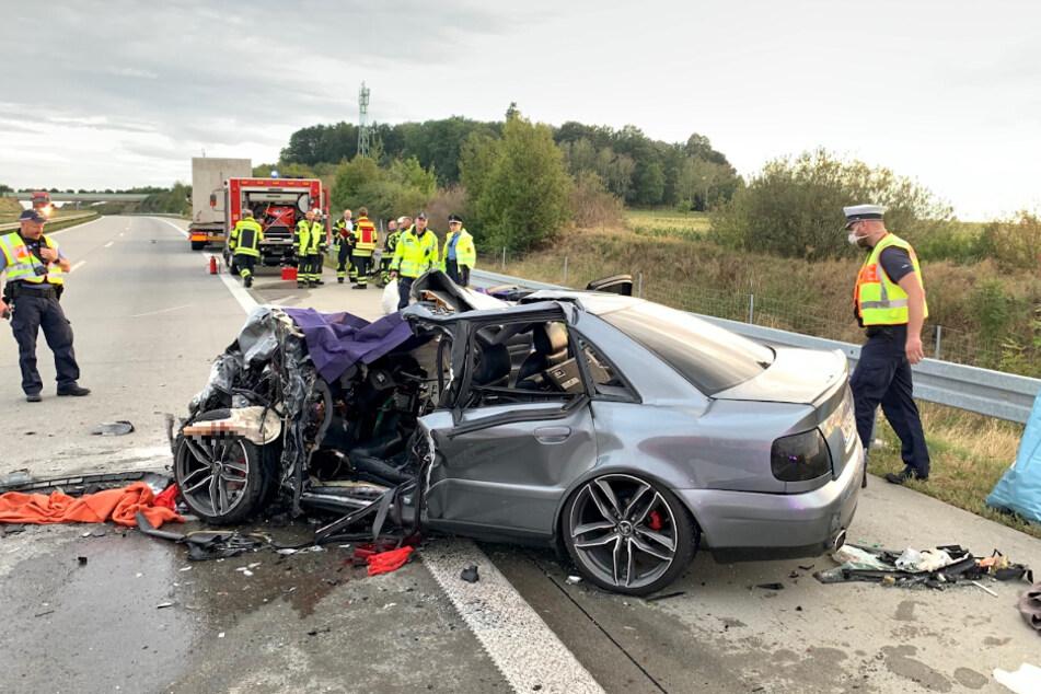 Bei dem Aufprall erlitt der Wagen einen Totalschaden.