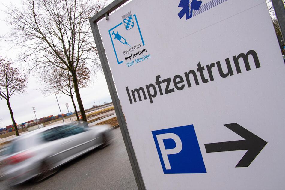 Bayerische Impfzentren vor Marathon: Ab April 111.000 Impfungen am Tag geplant!