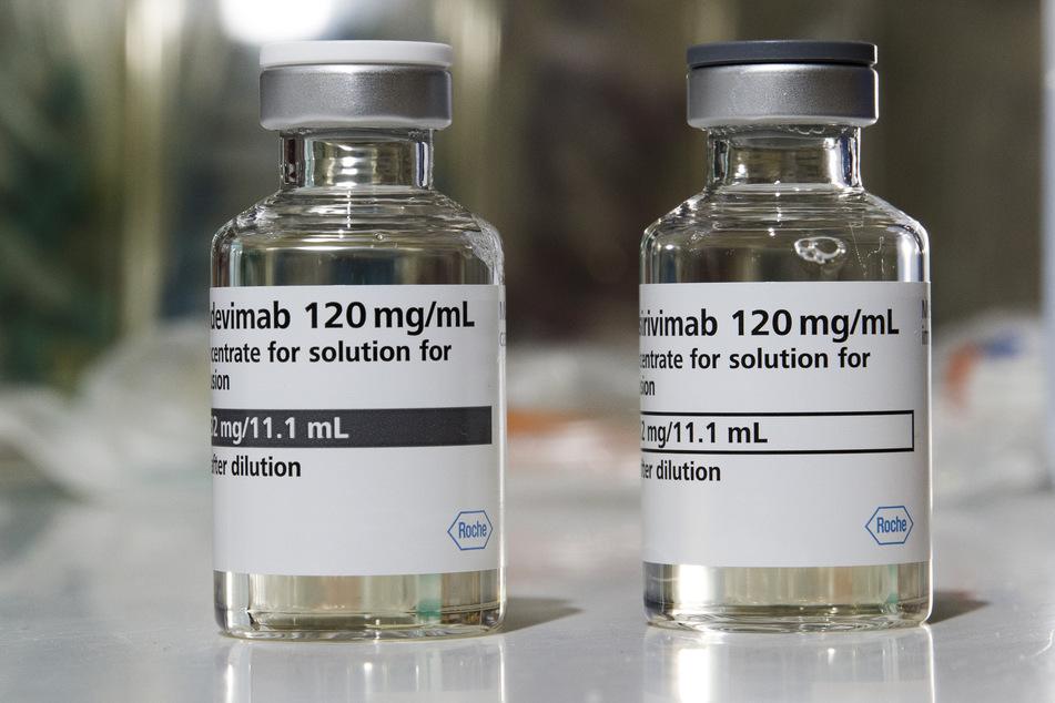 Die WHO empfiehlt nun die Gabe von Antikörper-Mitteln bei Corona-Patienten mit Vorerkrankungen, die deshalb Gefahr laufen, schwer an Covid-19 zu erkranken und dann auf Intensivstationen behandelt werden müssten.
