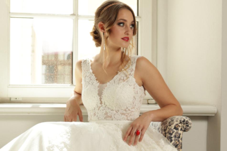 Ein Traum in Weiß: Miss Sachsen Nadine Voigt (22) schnuppert Hochzeitsluft beim Brautkleid-Shooting.