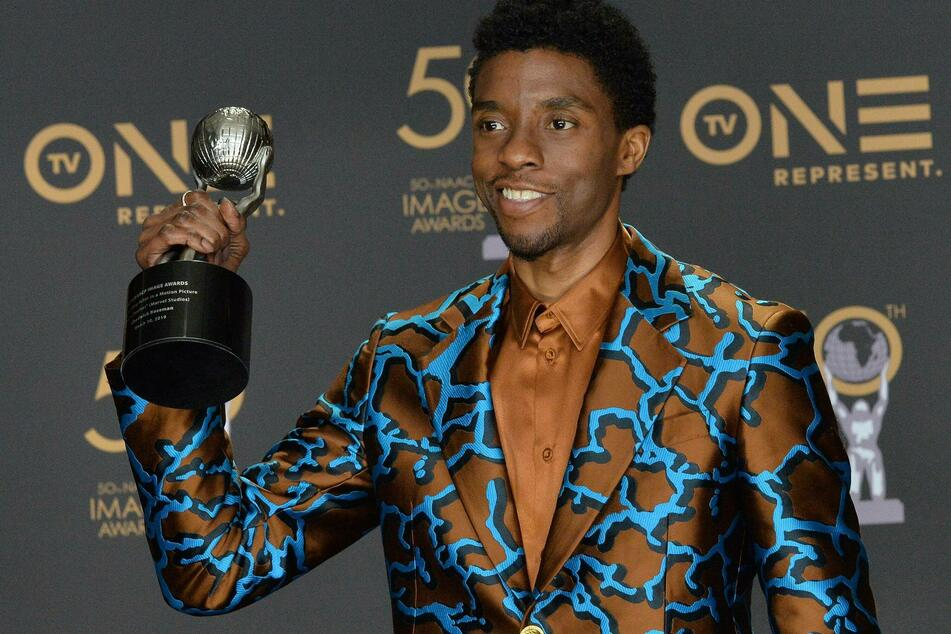 Chadwick Boseman (†43) died of colon cancer in August and posthumously received a Hero for the Ages award.