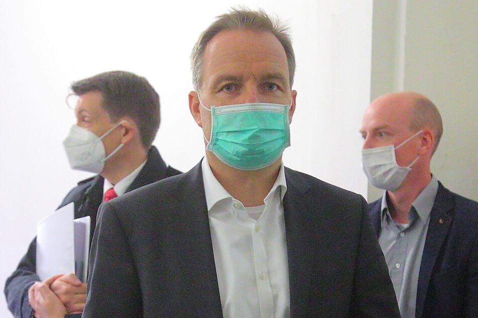 Erschien am Mittwoch im Zivilverfahren als Beklagter vor Gericht: SachsenEnergie-Chef Frank Brinkmann (54).