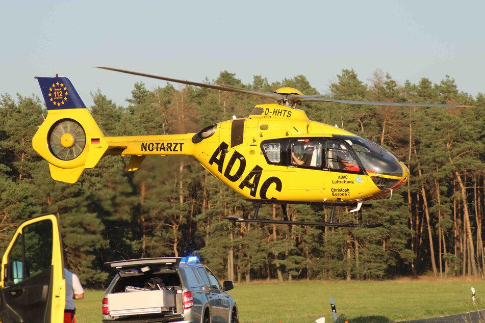 Ein ADAC-Rettungshubschrauber brachte den Schwerverletzten auf schnellstem Weg ins Krankenhaus.