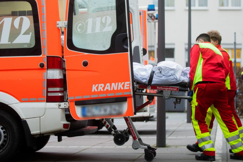 Der Rentner erlitt durch die Attacke Kopfverletzungen (Symbolfoto).