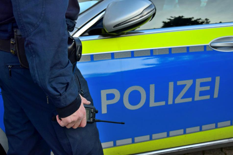 Die Polizei ermittelt gegen die 32 Personen. (Symbolbild)