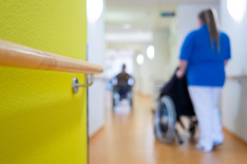 Coronavirus in Baden-Württemberg: Gesundheitsminister ruft Pflegepersonal auf