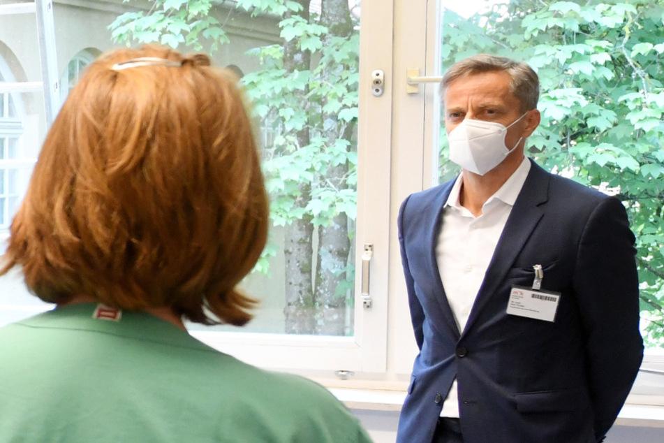 """Klinik-Chef plädiert für harten Lockdown: """"Wir kämpfen um ihr Leben"""""""