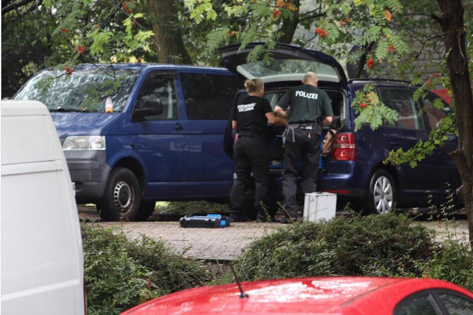 Ermittler am Tatort in Solingen.