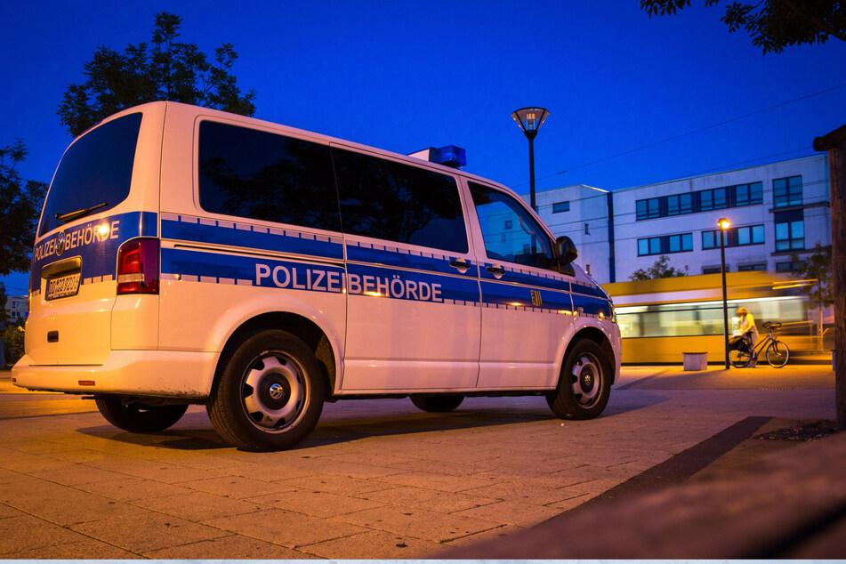 Immer wieder muss die Polizei am Amalie-Dietrich-Platz in Dresden-Gorbitz für Ordnung sorgen.