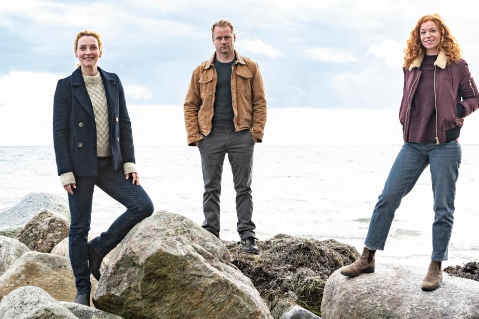 """Stehen wieder für """"Nord bei Nordwest"""" vor der Kamera (v.l.): Jana Klinge, Hinnerk Schönemann und Marleen Lohse."""