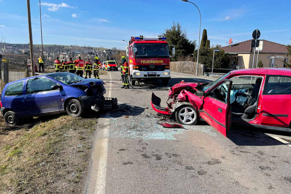 Mehrere Verletzte bei schwerem Frontal-Crash im Vogtland