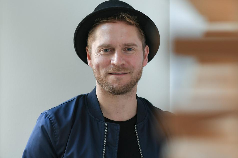 Der deutsche Popsänger und Songwriter Johannes Oerding (39) bei einem Pressetermin.