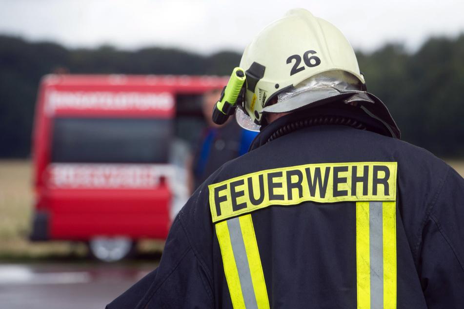 Explosion erschüttert Stadt, Feuerwehr im Großeinsatz