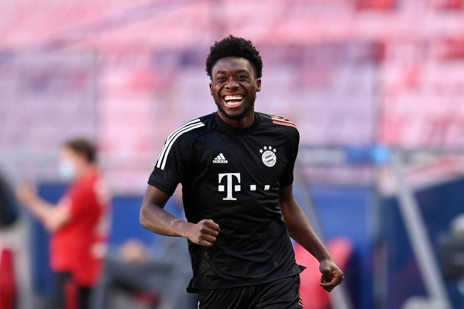 Hat immer einiges zu Lachen: Bayern-Profi Alphonso Davies (19).