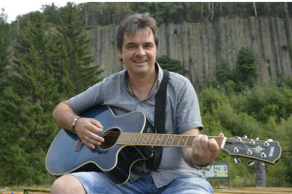 """Hat nach dem Randfichten-Aus schon mehrere Solo-Projekte veröffentlicht: Sänger Thomas """"Rups"""" Unger (45)."""