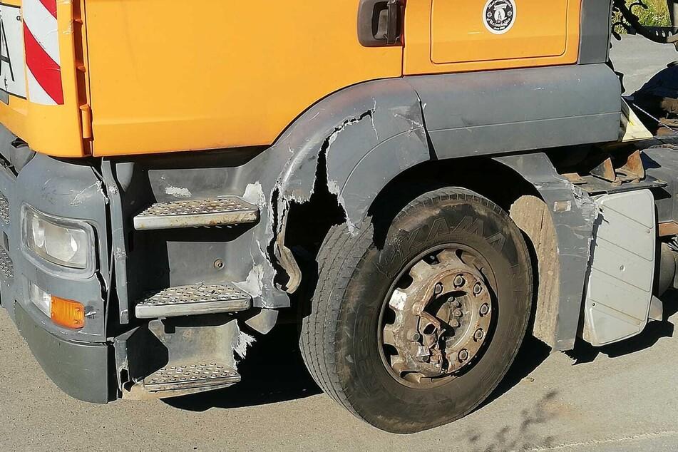 Der Lkw wurde glücklicherweise nur gestreift. An ihm entstand ein Schaden von rund 3000 Euro.