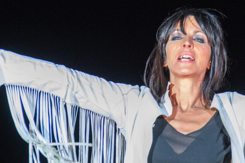 """Als Reaktion auf die fragwürdigen Aussagen von Sängerin Nena (61) bei einem Auftritt in Berlin, haben die Veranstalter des """"Strandkorb Open Air"""" in Wetzlar (Mittelhessen) das geplante Konzert der Sängerin abgesagt."""