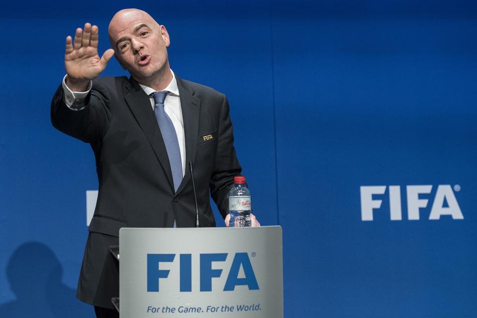 FIFA-Präsident Gianni Infantino spricht bei einer Pressekonferenz nach einem FIFA Council Meeting.