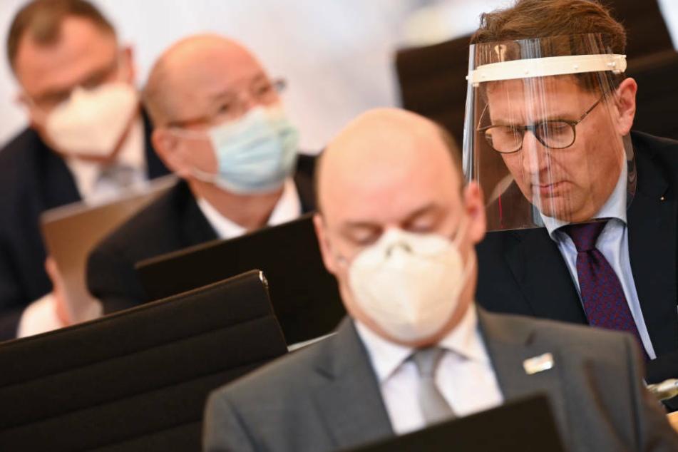 AfD scheitert mit Antrag gegen Maskenpflicht im Landtag