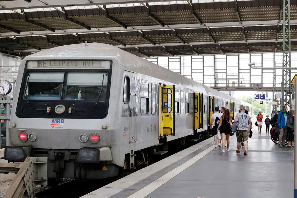 Der RE6 fährt von Chemnitz nach Leipzig. Die Strecke soll künftig ausgebaut und elektrifiziert werden.