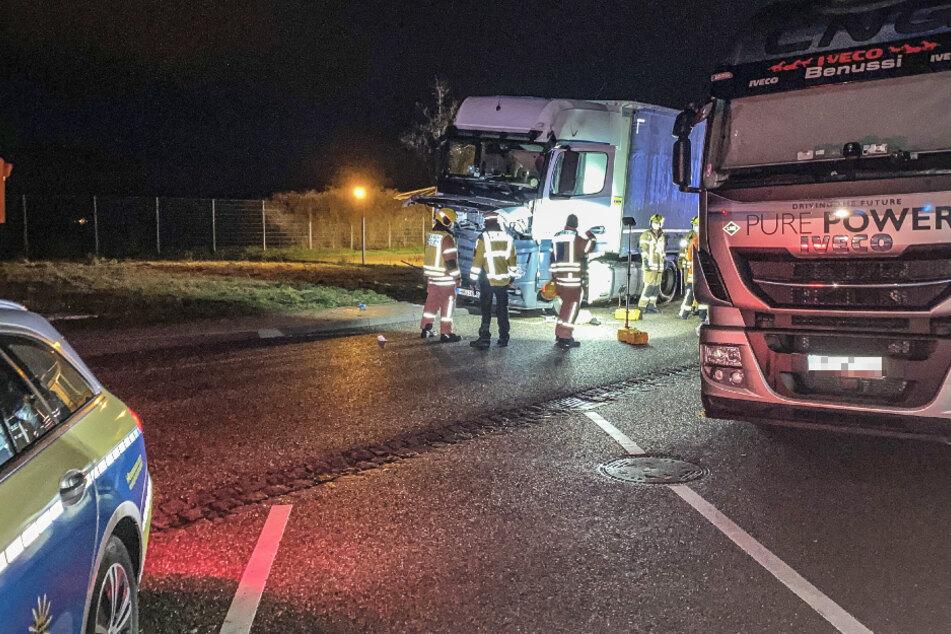Lkw-Fahrer kommt bei Unfall auf Autobahn-Raststätte ums Leben