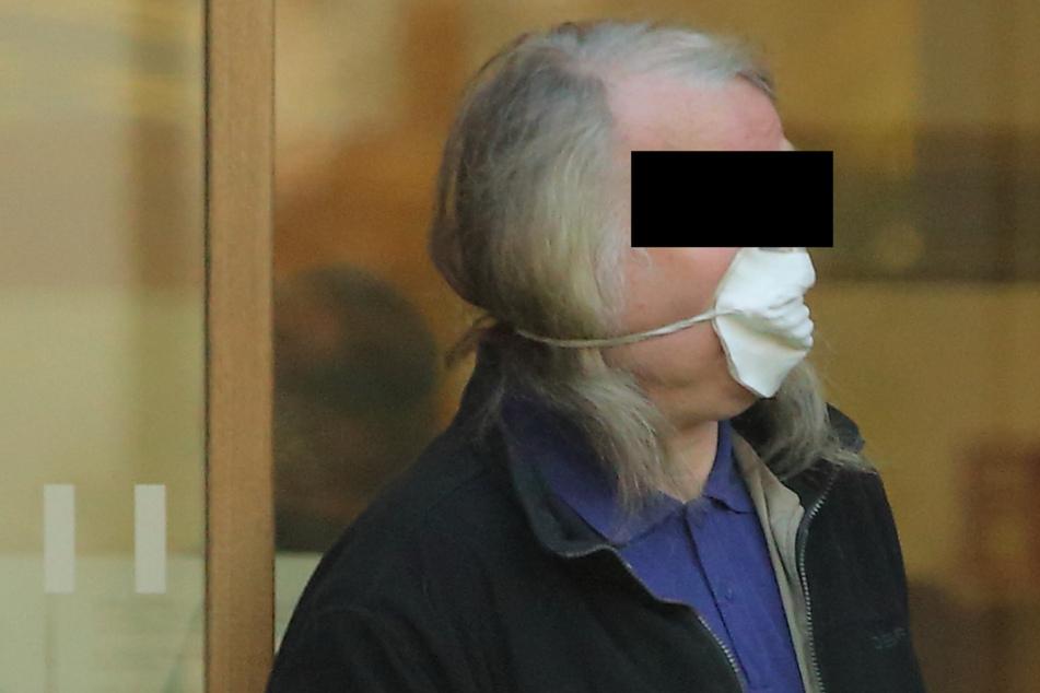 Rentner nach Hass-E-Mail an transsexuelle Grünen-Abgeordnete verurteilt