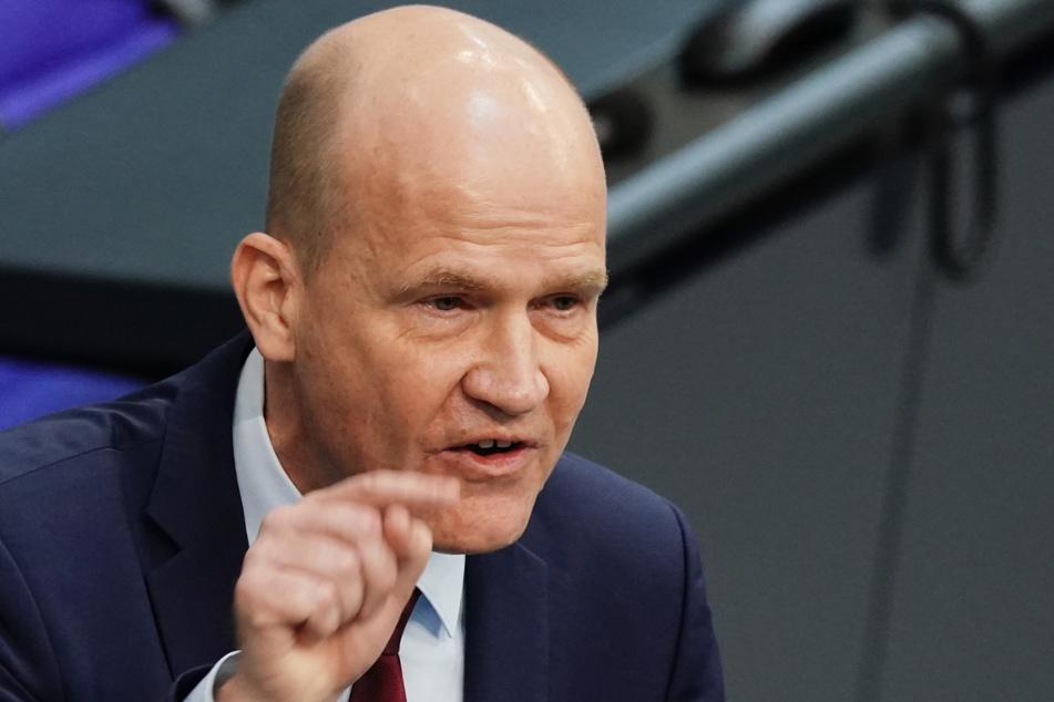 Unions-Fraktionschef Ralph Brinkhaus (52, CDU) kritisierte den oft uneinheitlich ausgeübten Spielraum der Länder.