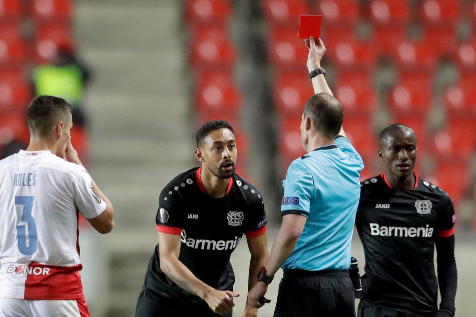 Rund eine Woche nach der Roten Karte von Karim Bellarabi (30) im Europa-League-Spiel bei Slavia Prag (0:1) kennt Bayer Leverkusen immer noch nicht das Strafmaß.