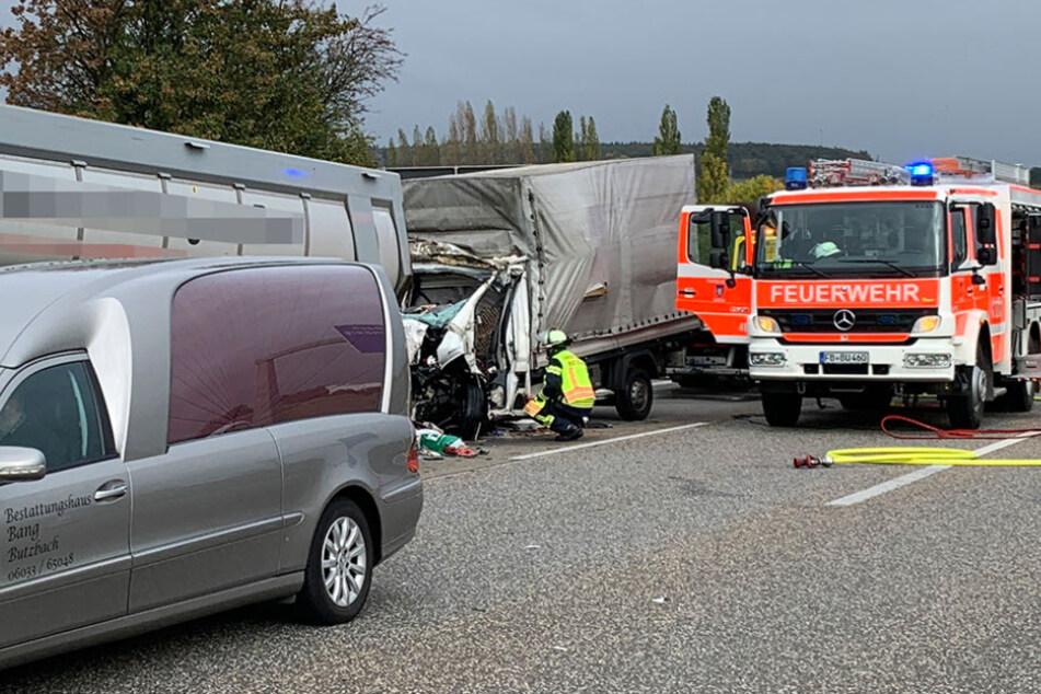 Die A5 wurde nach dem Unfall in südliche Richtung gesperrt.