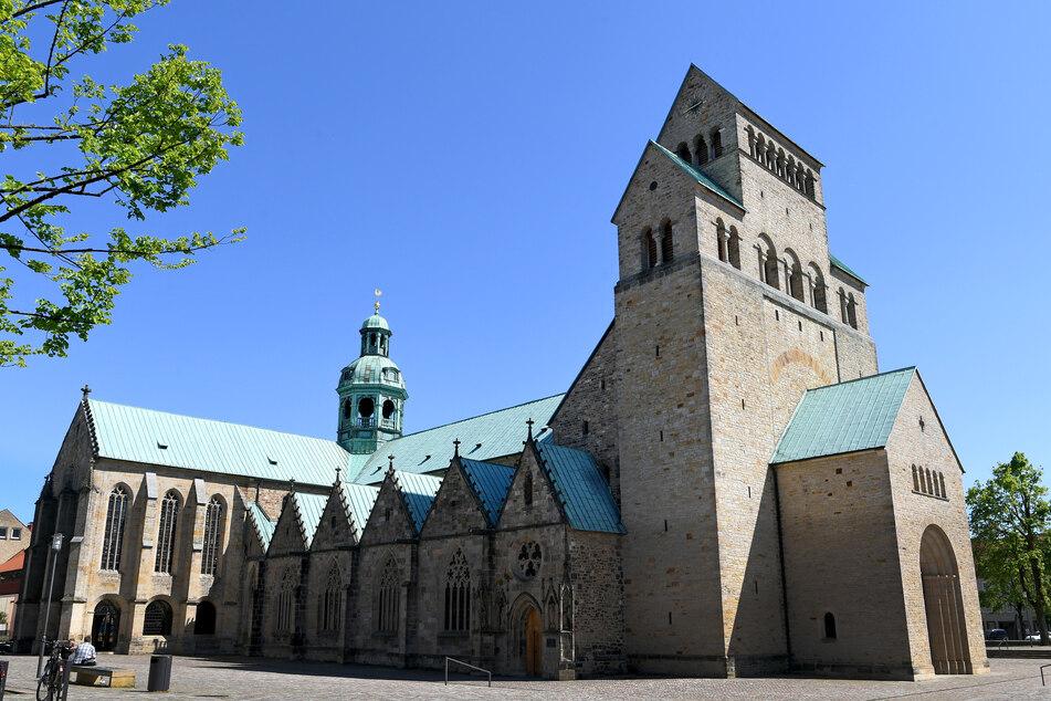 Der Gottesdienst im Hildesheimer Dom wird auch als Livestream im Internet übertragen.