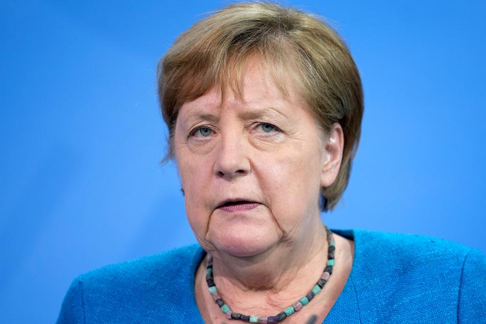 Vorsicht ist besser als Nachsicht: Kanzlerin Angela Merkel (66, CDU) fordert alle zur Wachsamkeit auf.