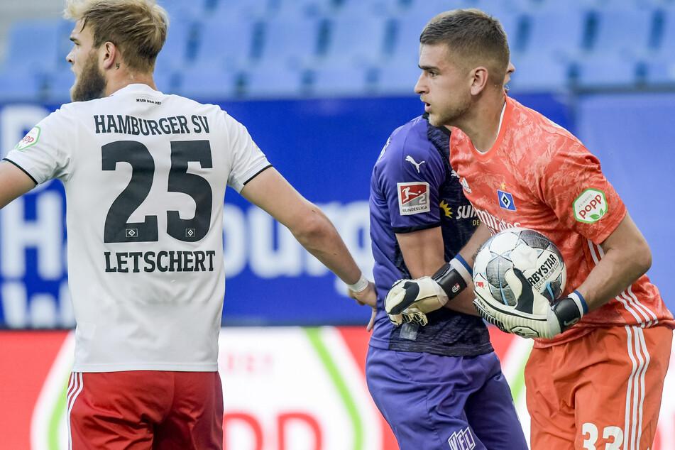 Julian Pollersbeck, einst die Nummer eins beim HSV, ist von Trainer Daniel Thioune zur Nummer drei erklärt worden.
