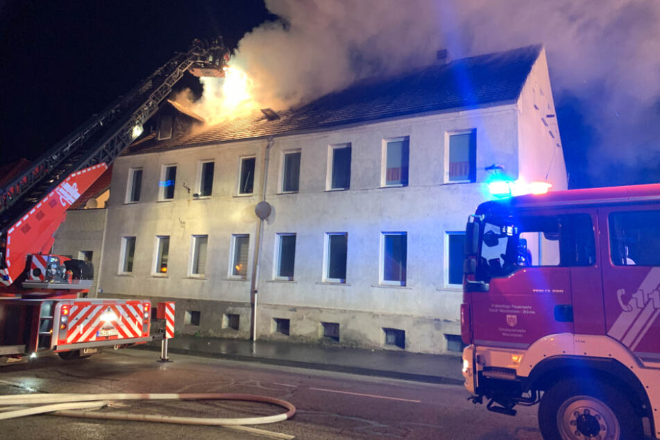 In Klein Wanzleben brannten innerhalb kurzer Zeit zwei Dachstühle, die Feuerwehr musste anrücken.