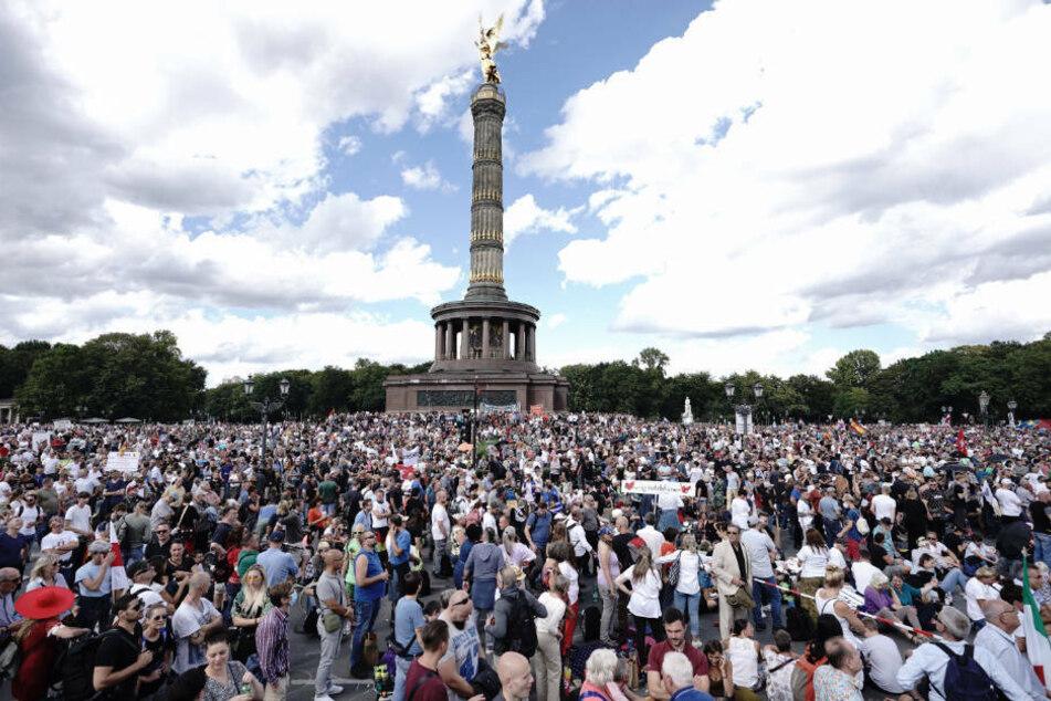Querdenken plant große Corona-Demo an Silvester in Berlin