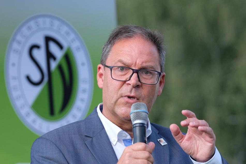 Hermann Winkler, Präsident des des Sächsischen Fußballverbandes (SFV) befürchtet langfristige Schäden in der Sportlandschaft.