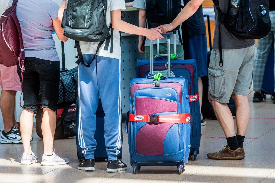 Mit Beginn der Sommerferien reisten wieder viele Menschen ins Ausland.