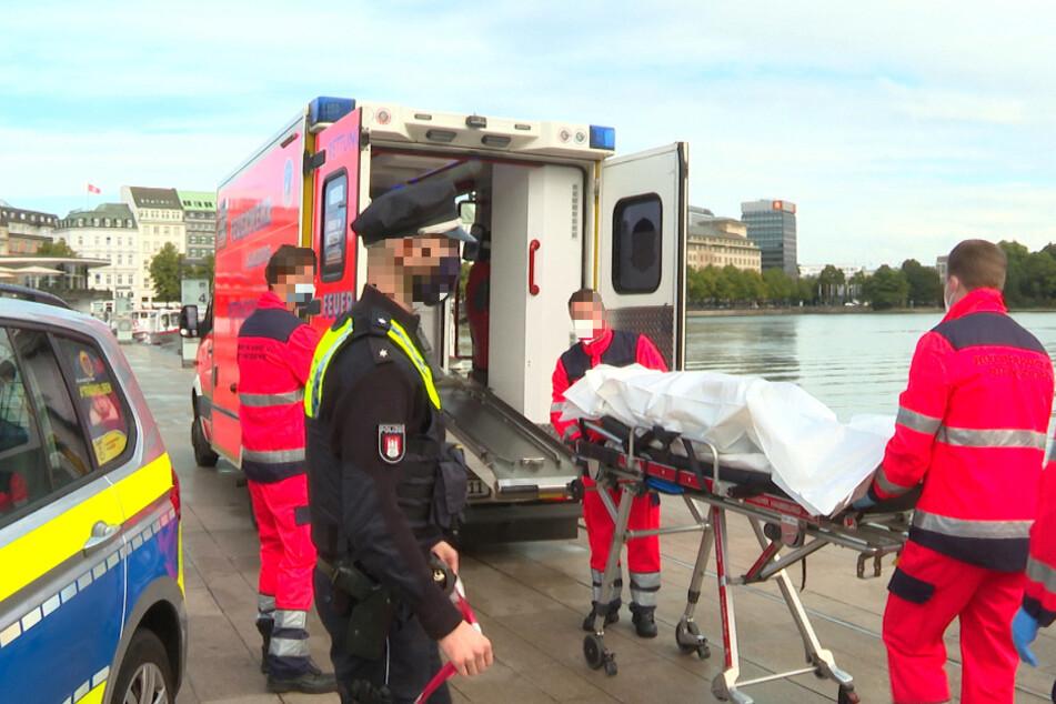 Hamburg: Mitten in Hamburg: Feuerwehr zieht Wasserleiche aus der Alster!