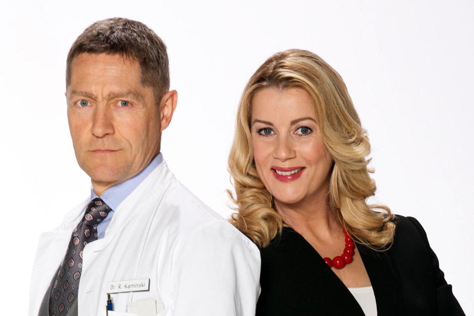 Sind wieder auf dem Bildschirm zurück: IaF-Stars Udo Schenk (67, in der Rolle als Dr. Rolf Kaminski) und Alexa Maria Surholt (52, Sarah Marquardt).