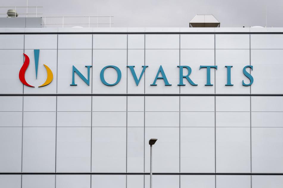 Das Novartis-Logo ist an einem Werk von Novartis zu sehen.