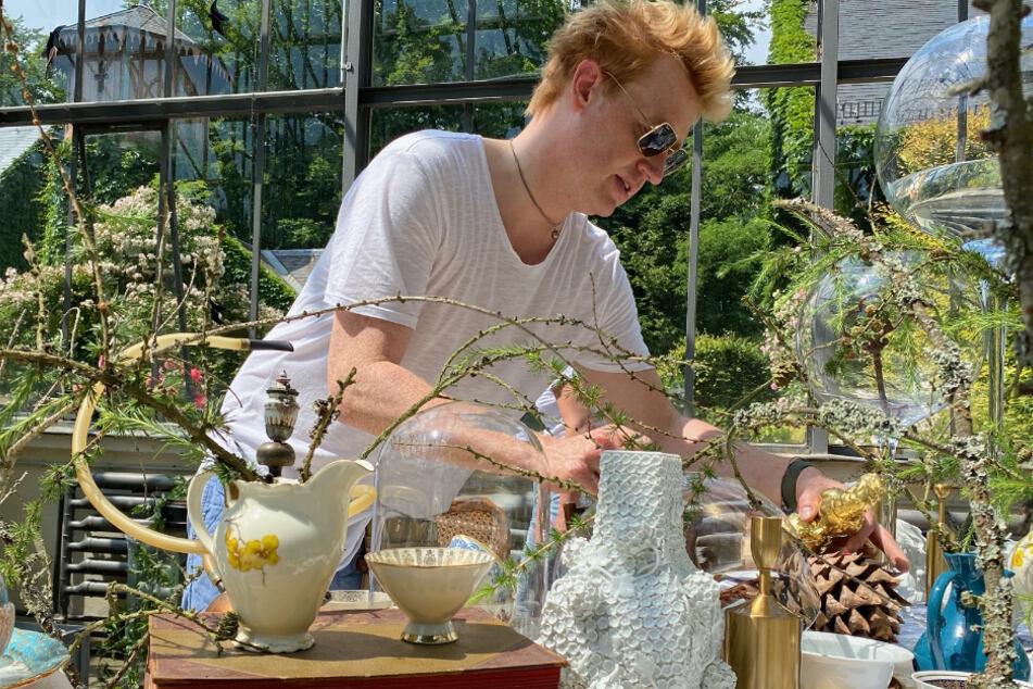 TV-Meisterflorist Björn Kroner (41) hat all die schönen Blumen an ihren perfekten Platz gesetzt.