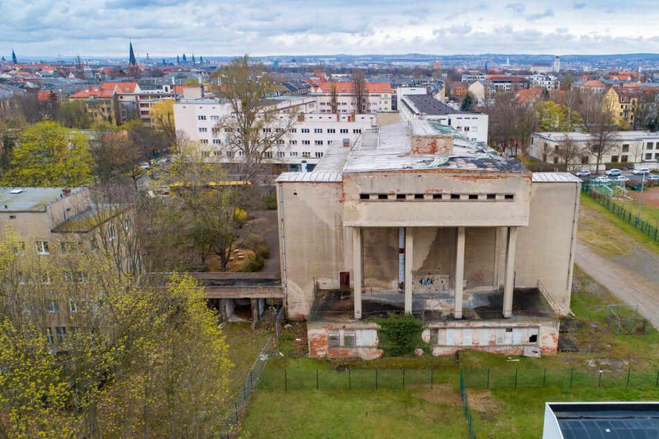 Nach fast drei Jahrzehnten des Verfalls muss das Sachsenbad dringend saniert werden.
