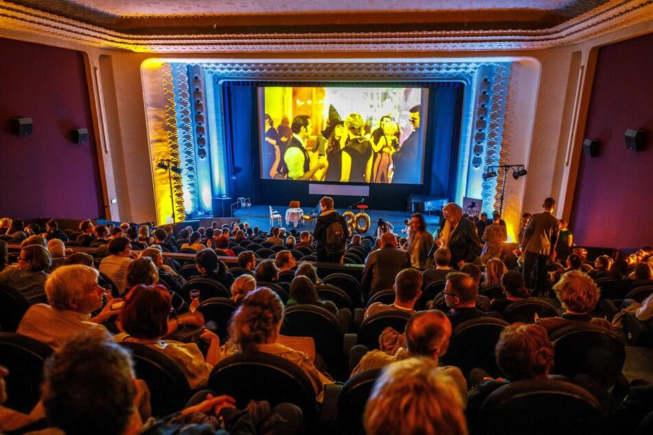 So ein dicht besetztes Publikum wie hier im Jahr 2018 wird es beim Dresdner Filmfest 2021 nicht geben. (Archivbild)