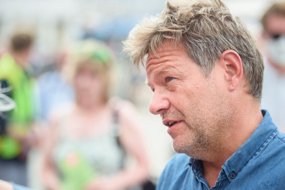 Robert Habeck (51), Co-Vorsitzender des Bündnis 90/Die Grünen, ist Hauptredner beim kleinem Parteitag der bayerischen Grünen.